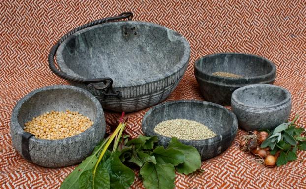 Kochtöpfe nach Funden aus Haithabu